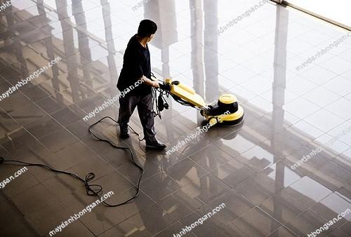 bảo dưỡng sàn đá bằng máy đánh bóng sàn