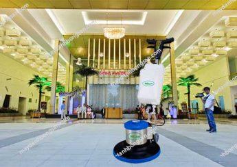 Vì sao nên sử dụng máy chà sàn cho công tác vệ sinh trung tâm tiệc cưới?
