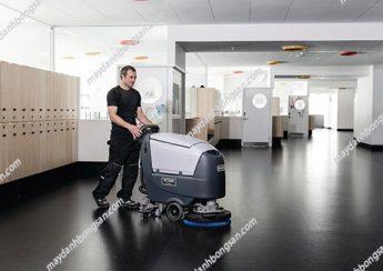 Không nên để máy chà sàn hoạt động liên tục trong thời gian dài không ngưng nghỉ