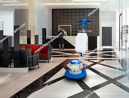 Khi mua máy chà sàn HiClean, bạn cần căn cứ vào nhiều yếu tố khác nhau