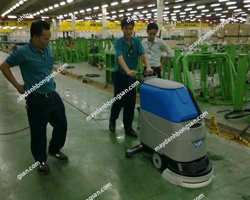 Máy chà sàn nhà xưởng rất đa dang về mẫu mã, thương hiệu và giá cả...