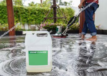 Người dùng cần chọn đúng dung dịch tẩy rửa sàn đá cho máy chà sàn