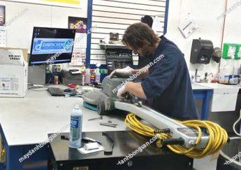 Người dùng nên lựa chọn đại chỉ sửa chữa máy chà sàn có cơ sở hoạt động và số điện thoại rõ ràng