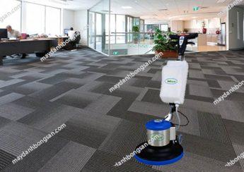 Sử dụng máy chà sàn công nghiệp giúp các công ty tiết kiệm đáng kể thời gian dọn dẹp
