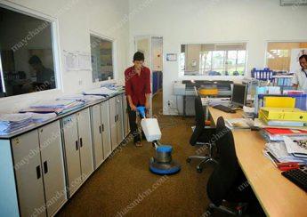 Máy chà sàn đơn nhỏ gọn, dễ sử dụng, đáp ứng yêu cầu vệ sinh cơ bản