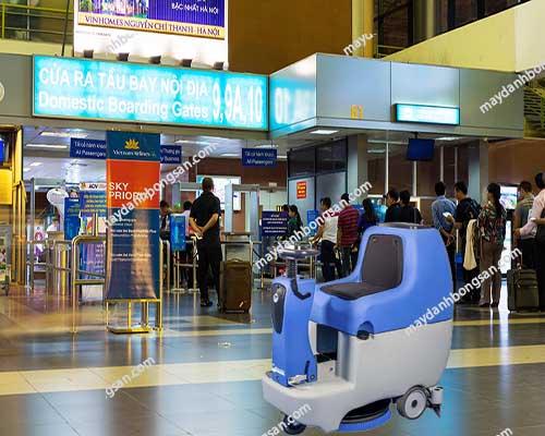 Máy chà sàn ngồi lái-sự lựa chọn tốt nhất vệ sinh sân bay