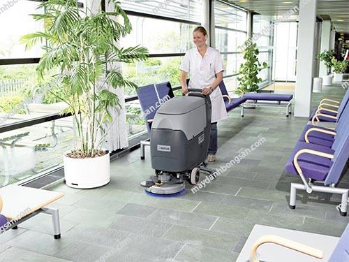 Máy chà sàn liên hợp có nhiều ưu điểm nổi trội