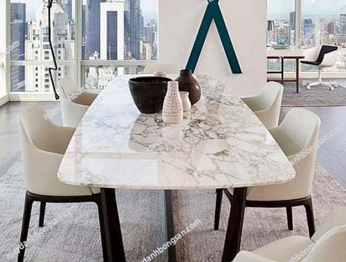 Bàn ăn tại nhà bằng đá Marble cũng cần được làm bóng thường xuyên